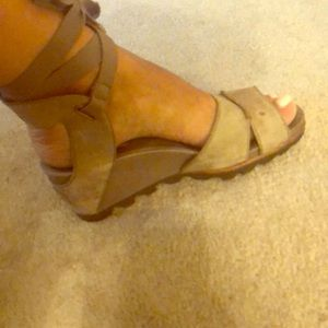 Sorel sandals used!